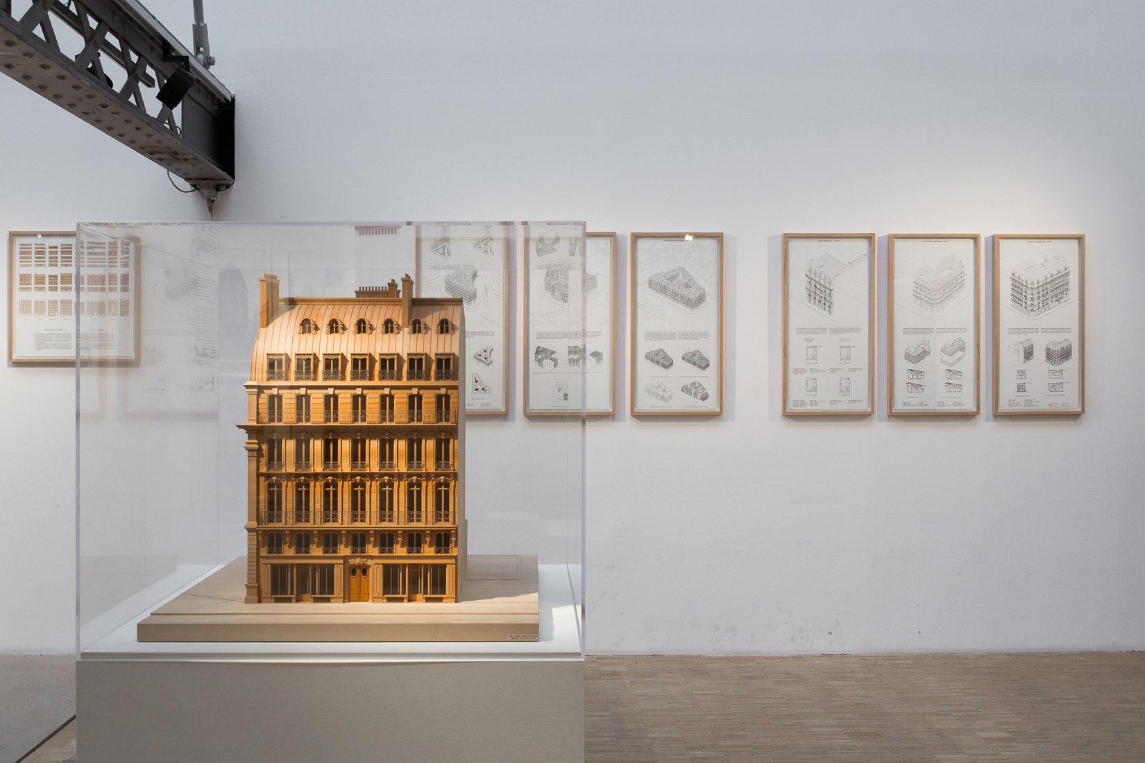 PARIS HAUSSMANN. View of the exhibition © Antoine Espinasseau