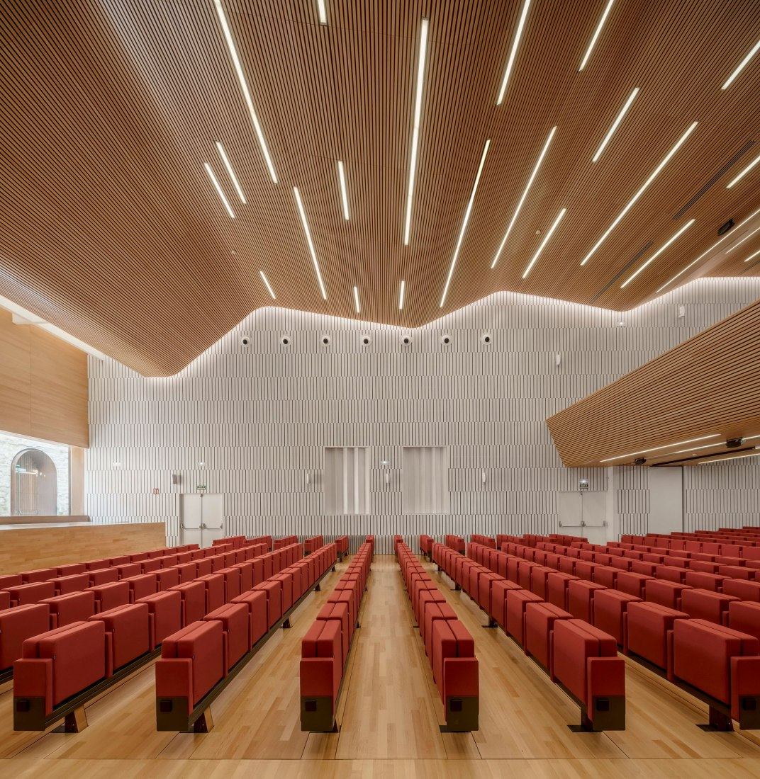 Conference Centre in Cordoba by LAP arquitectos. Photograph by Jesús Granada