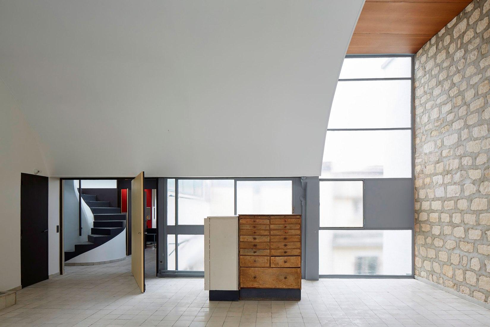 Estudio. Apartamento-estudio de Le Corbusier en París. Imagen © FLC-ADAGP - Antoine Mercusot