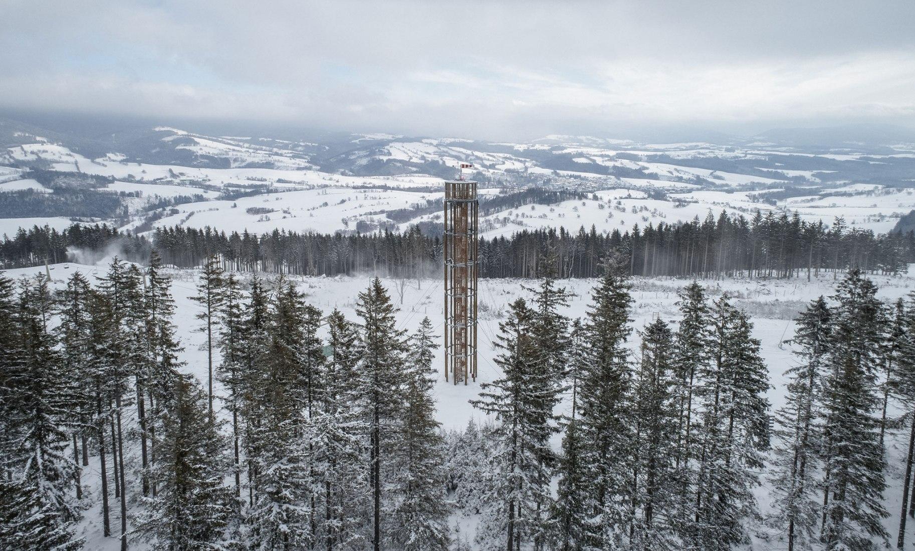 Lookout Tower at Kraličák by David Kubík. Photograph by Jakub Skokan, Martin Tůma / BoysPlayNice