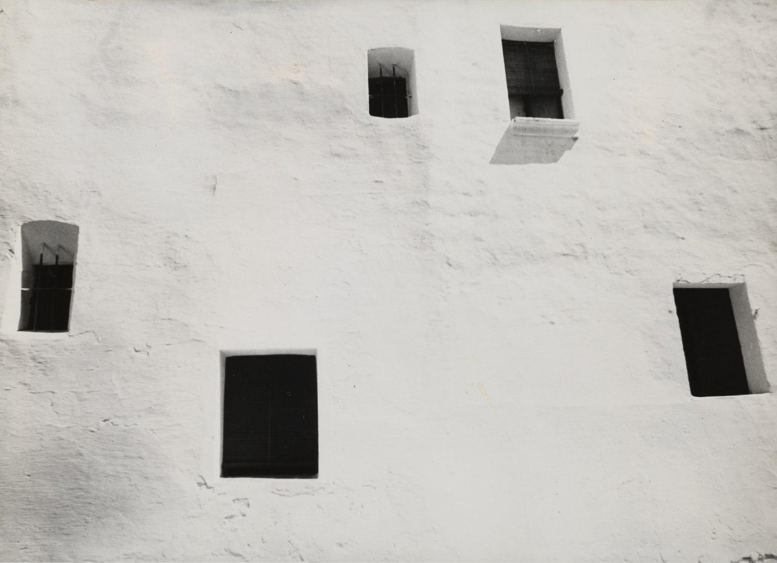 Arquitectura popular mediterranea, Ibiza, 1959. Cortesía de Galería José de la Mano.