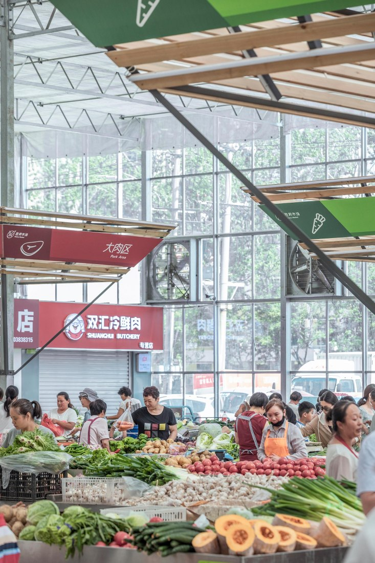Temporary Site of Shengli Market by LUO studio. Photograph by Jin Weiqi