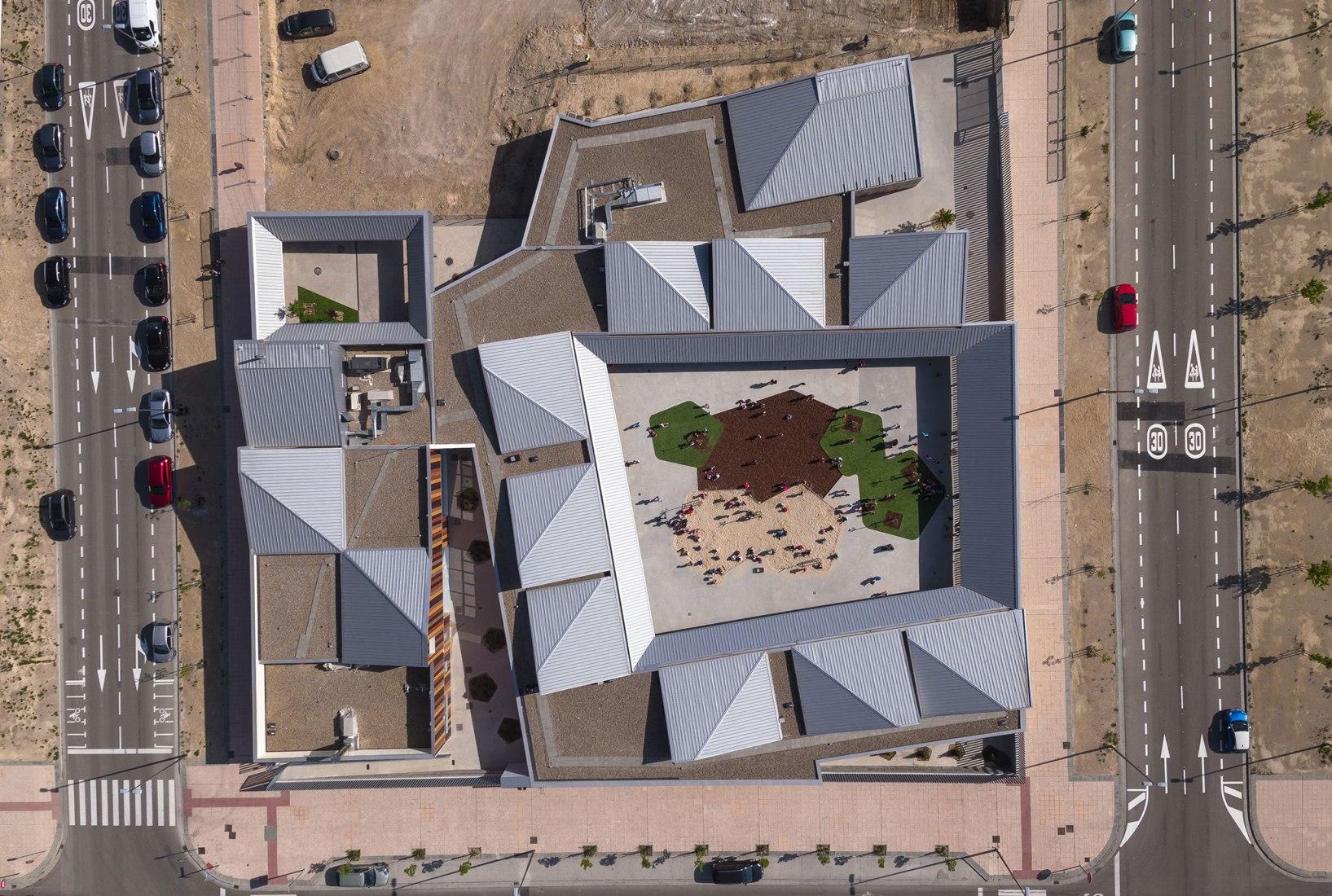 Centro de educación infantil Arcosur por Magén Arquitectos. Fotografía por Rubén Pérez Bescós.