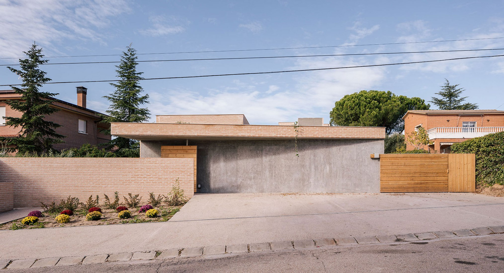 Una casa para tres generaciones en Boadilla del Monte por Malu de Miguel. Fotografía por Imagen Subliminal (Miguel de Guzmán + Rocío Romero)