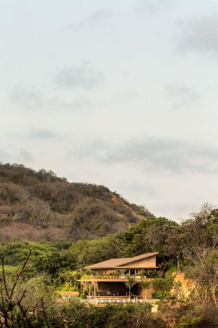 Punta Ixtapa by Manuel Cervantes. Photograph by Rafael Gamo.
