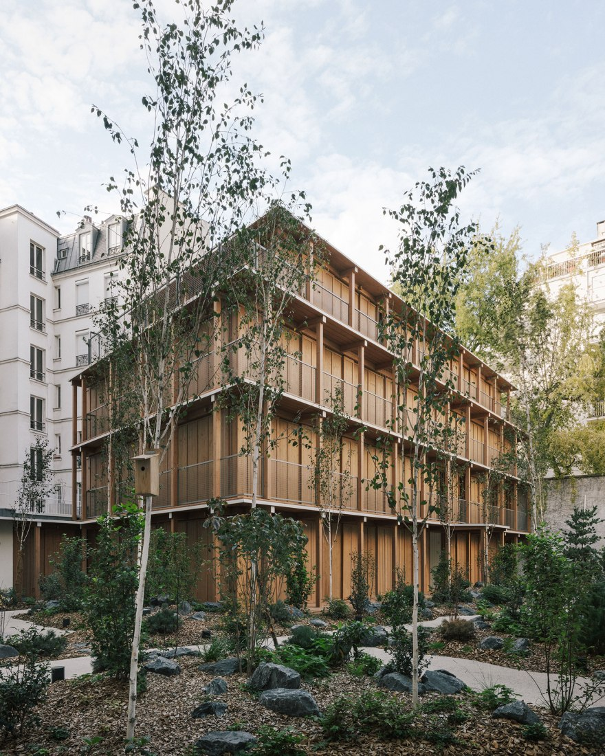 14 dwellings in the heart of a Parisian block by MARS Architectes. Photograph by Charly Broyez.