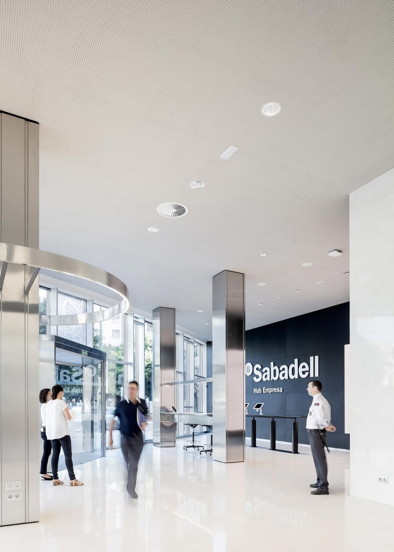 Banc Sabadell Company HUB by Josep Lluis Mateo. Photograph by Aldo Amoretti