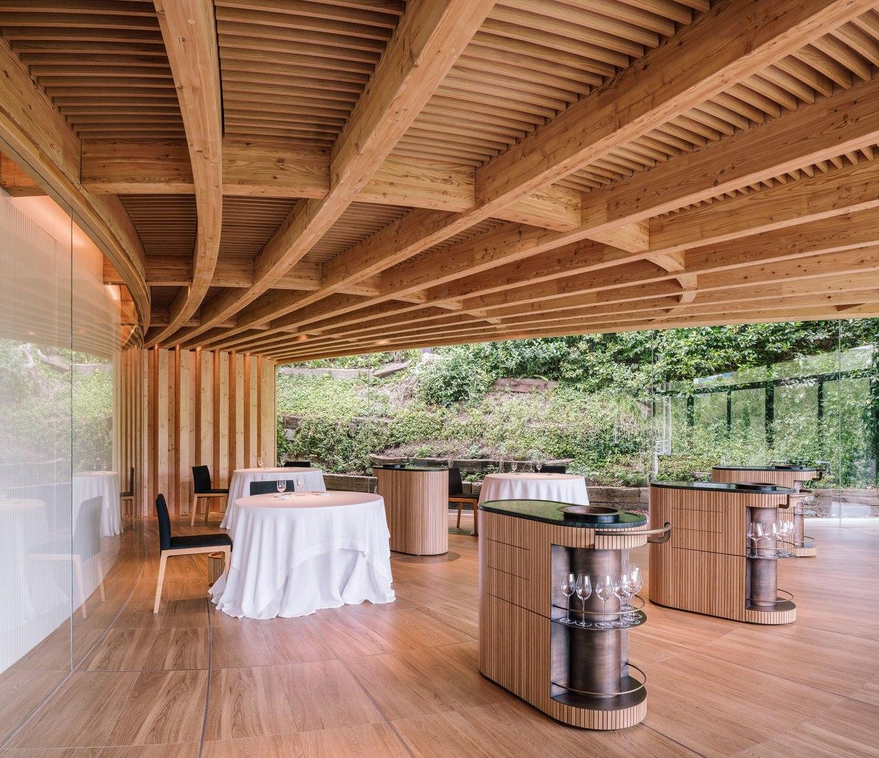 Restaurante Martín Berasategui por mecanismo. Fotografía por Miguel de Guzmán y Rocío Romero. Imagen subliminal