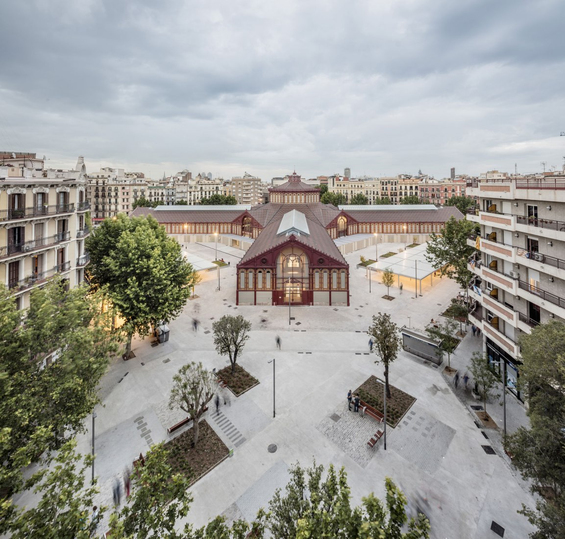 Aerial view. Rehabilitation of Mercat de Sant Antoni by Ravetllat Ribas Arquitectes. Photograph by ®Adria_Goula