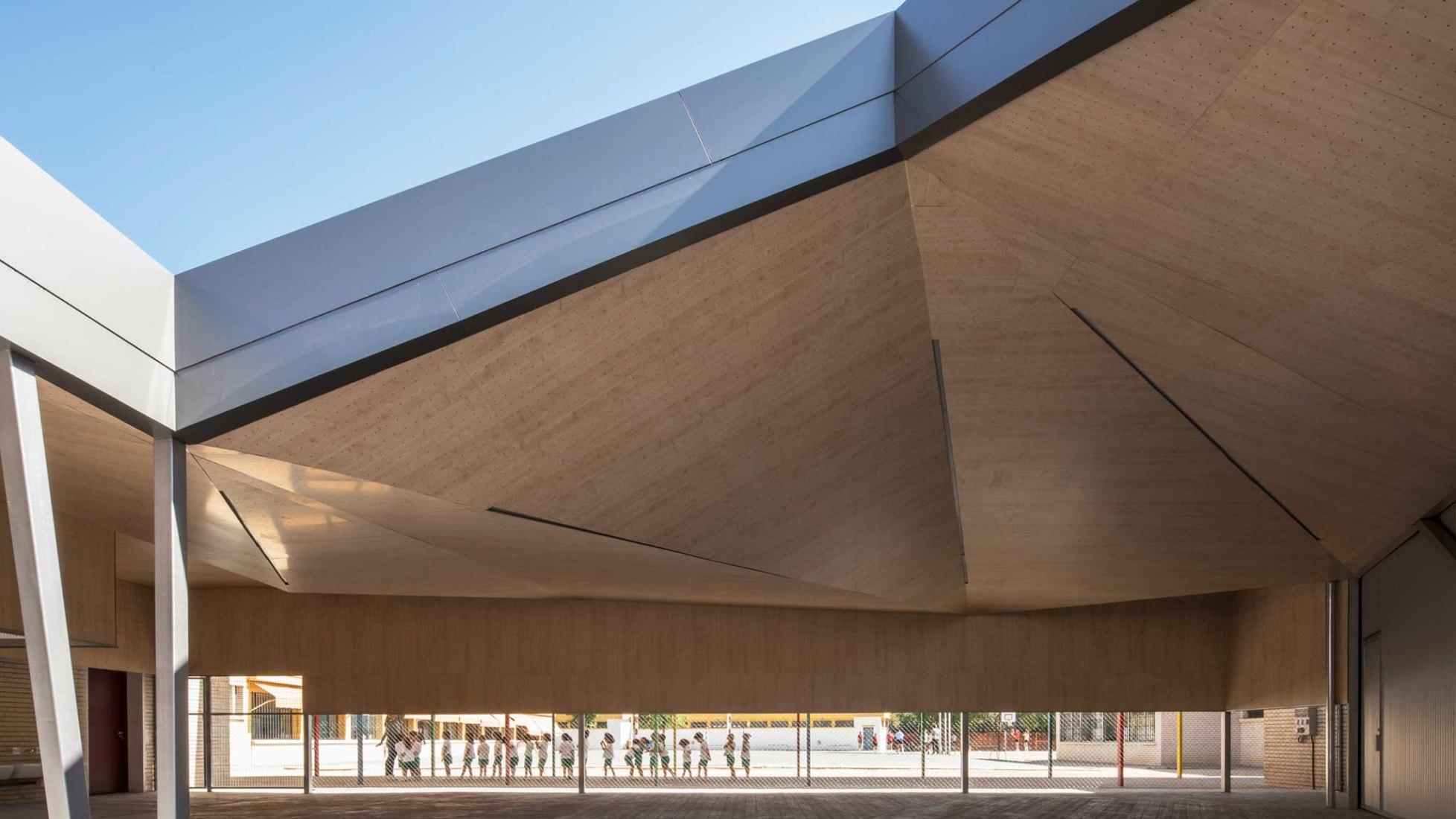 Escuela infantil BVMI por MGM Arquitectos. Fotografía por Jesús Granada