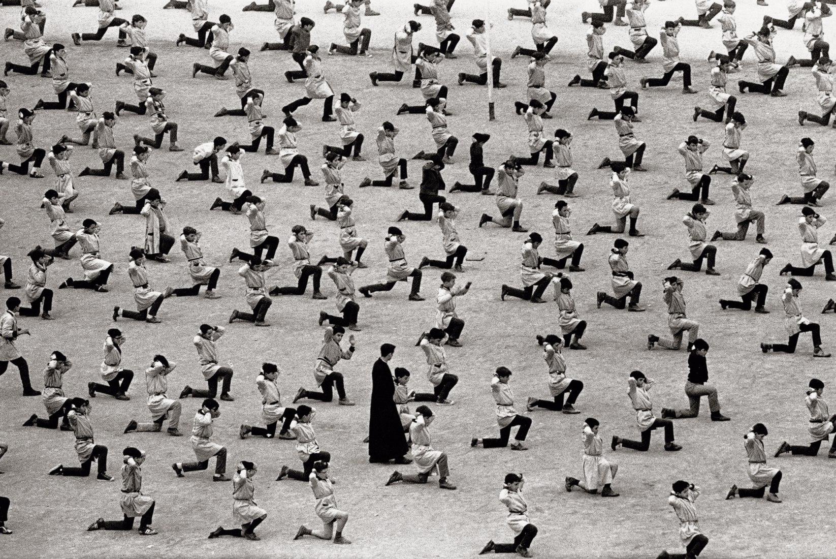 Barcelona, 1966, Por Xavier Miserachs. Fotografía © Arena y Mar Miserachs, cortesía vía La Fabrica.