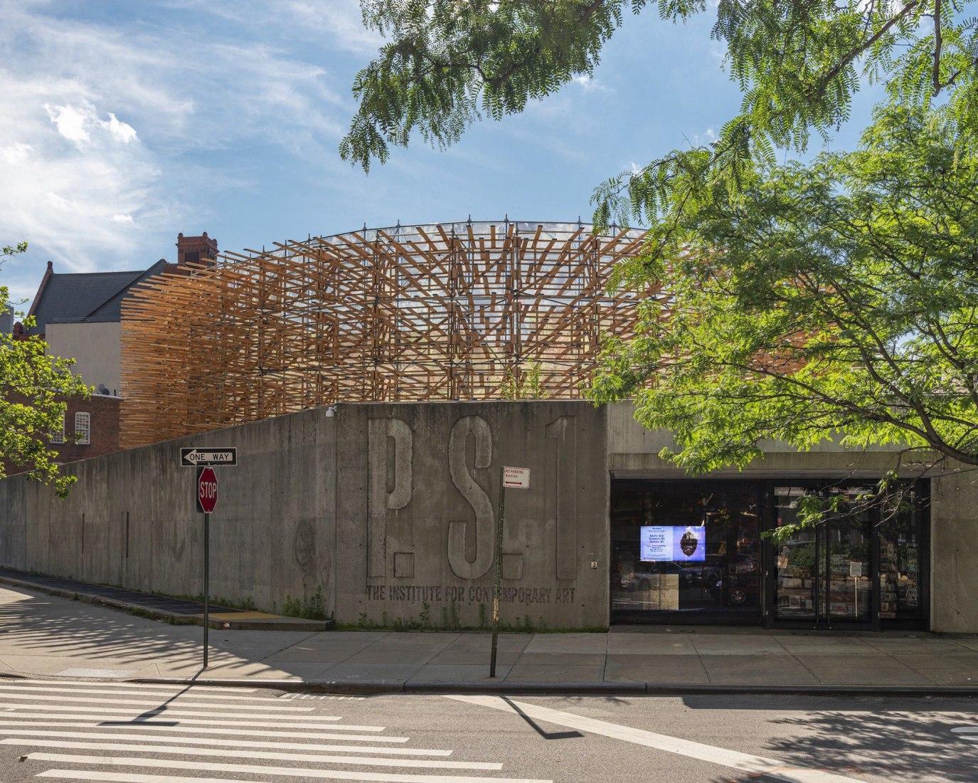 Hórama Rama por Pedro & Juana, presentado como parte del Young Architects Program 2019 en el MoMA PS1. Fotografía por Kris Graves