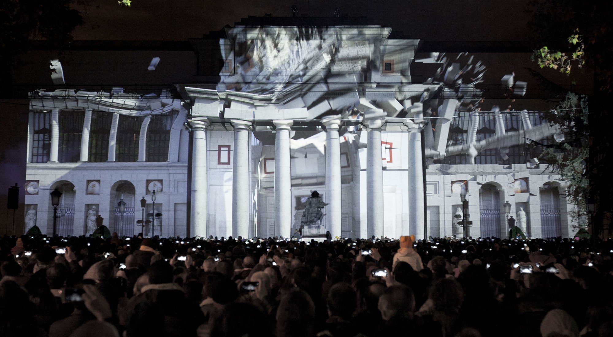 Construction. VideoMapping on El Prado for its Bicentenary Celebration