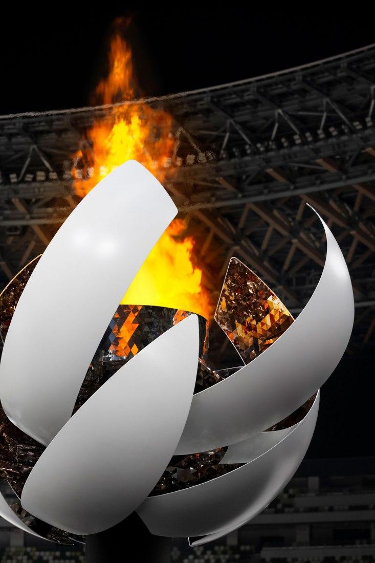 Tokyo 2020 Olympic Torch by Nendo. Image by Ikki Yamaguchi