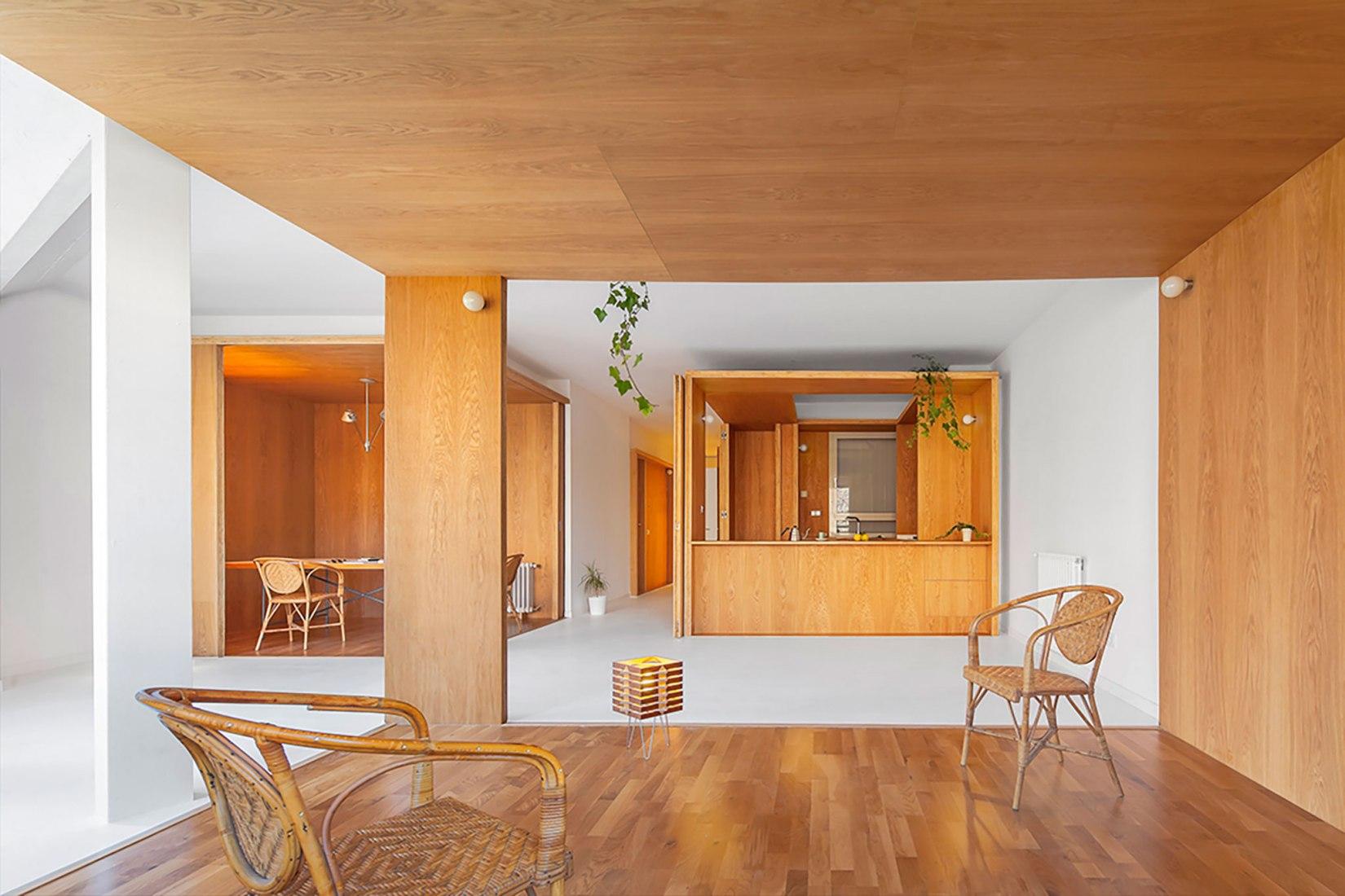 Apartamento extenso-intenso por Nil Brullet Francí. Fotografía por Andrés Flajszer.