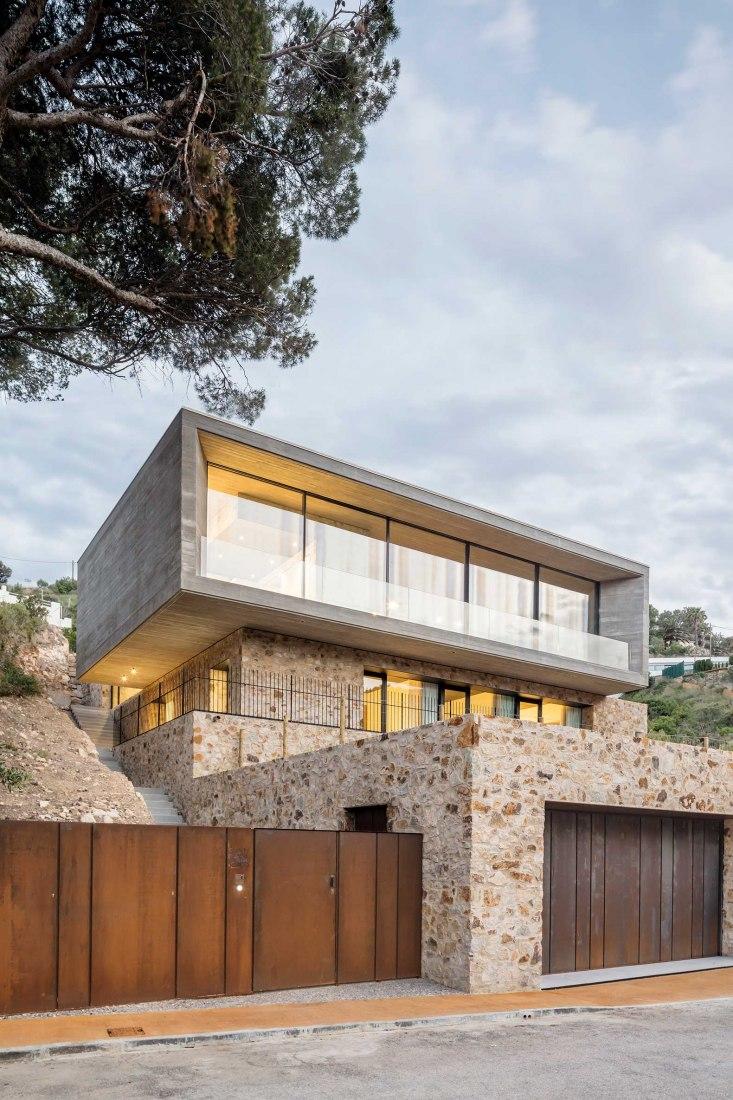 Casa 1510 by Nordest Arquitectura. Photograph by Adrià Goula
