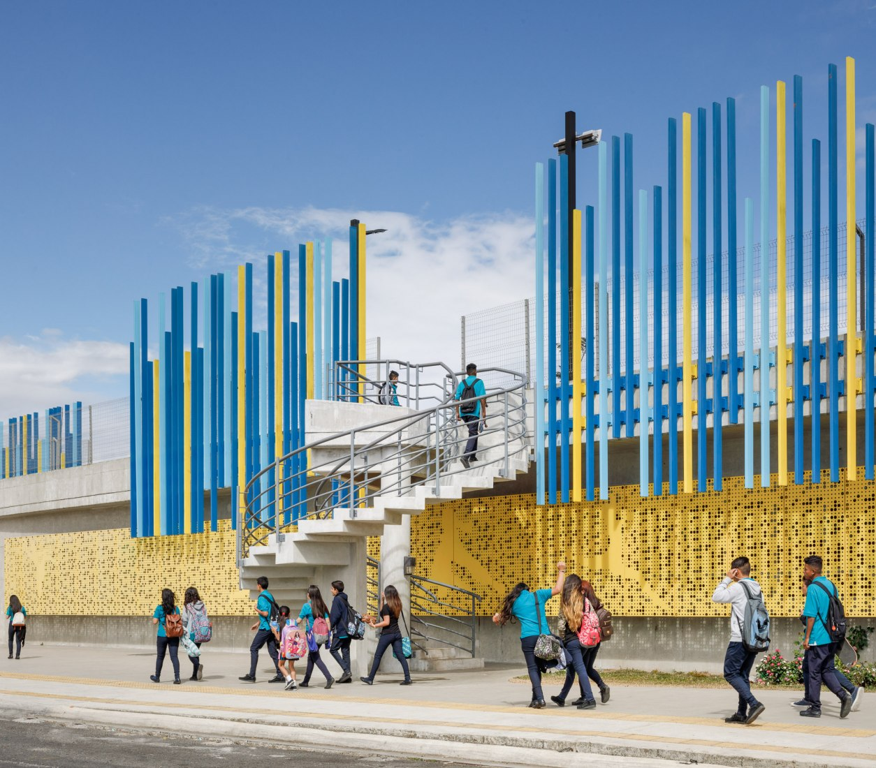 Exterior view. Civic Center for Peace by Norte Sur Arquitectos. Photograph by Fernando Alda