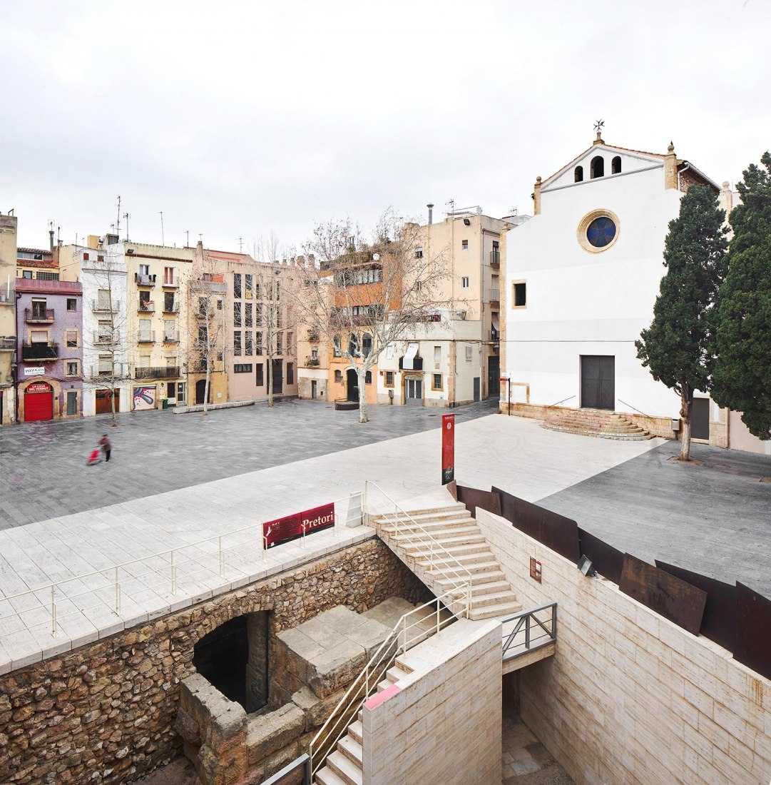 Renovation of façades and historical reconnection of the Trinitat's church by NUA arquitectures. Photograph by José Hevia / NUA arquitectures