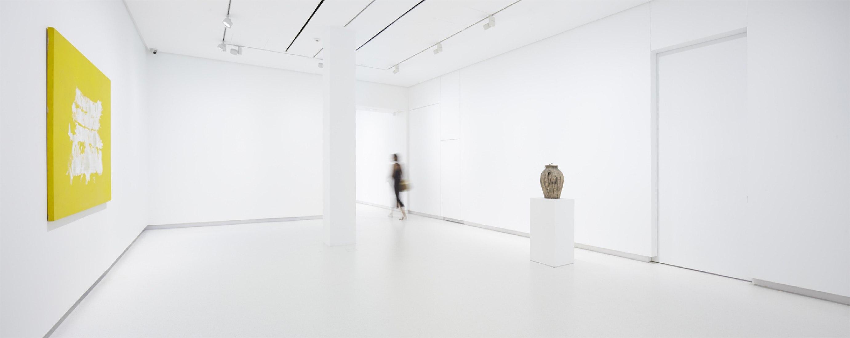 Nueva sede de la Galería Elvira González por Marcos Corrales Lantero. Imagen interior. Fotografía © Cuauhtli Gutiérrez.