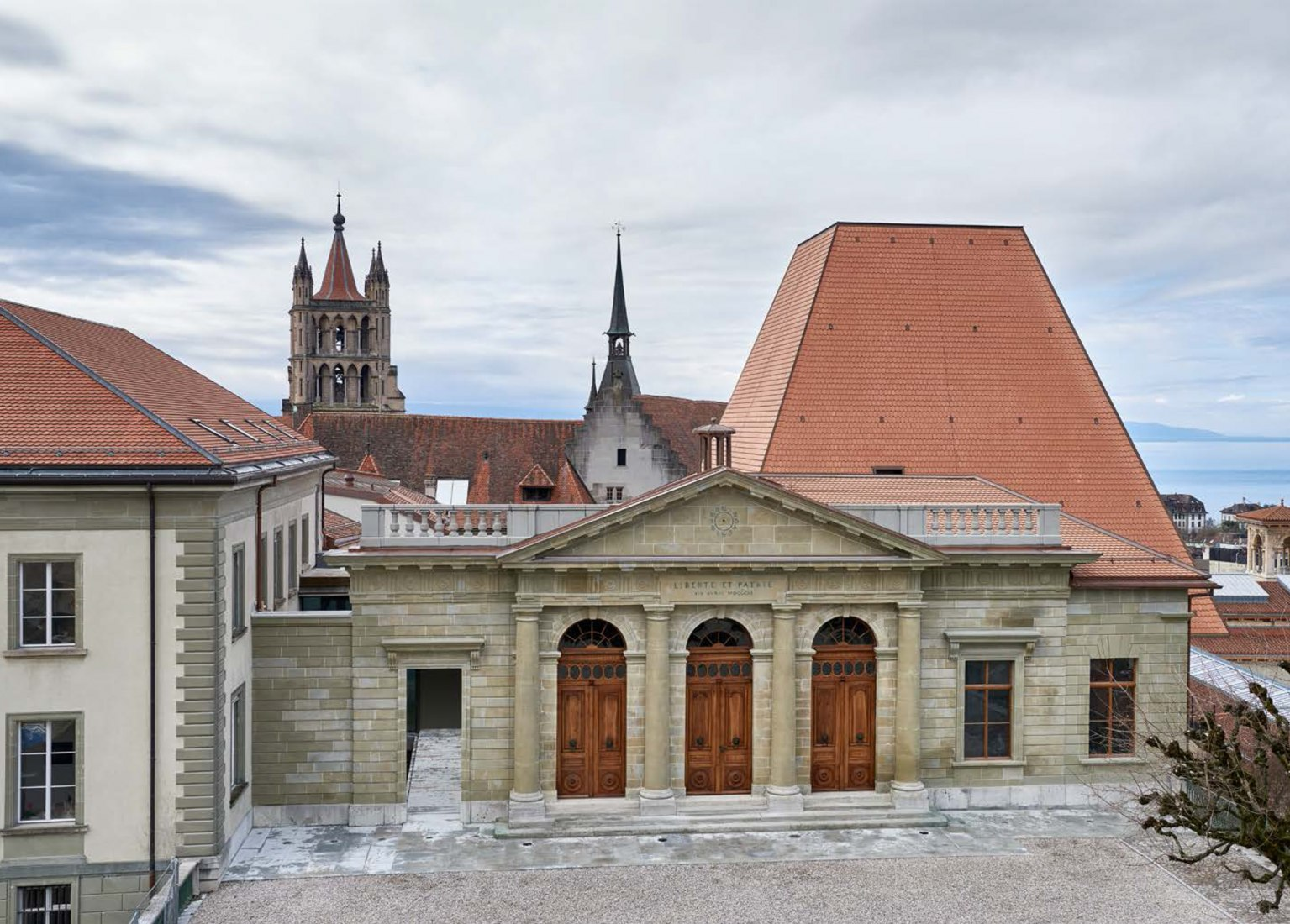 New parliament of the canton of vaud already open by bonell i gil