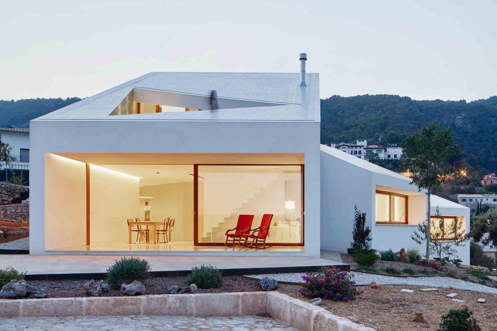 Vista exterior. Casa MM por OHLAB. Fotografía © José Hevia.
