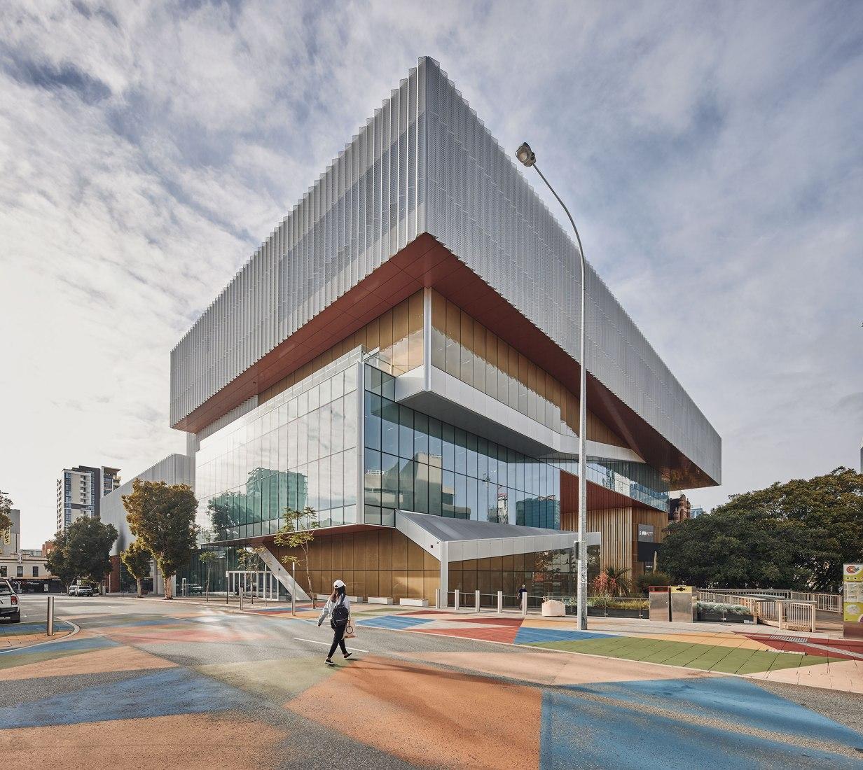 Museo Western Australia por HASSELL + OMA. Fotografía por Peter Bennetts, cortesía de Hassell + OMA