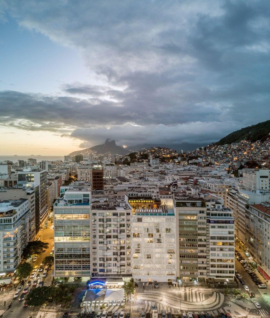 Vista general. Hotel Emiliano por Arthur Casas Studio y Oppenheim Architecture. Fotografía © Fernando Guerra FG + SG