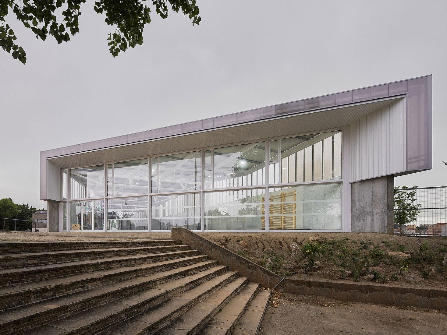 CAI Athletic Pavilion by GAP Associates. Photograph by Jesús Arenas Mesa