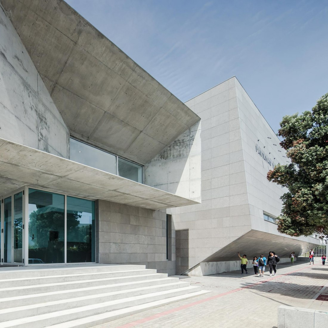Pavilhão do Atlântico por Valdemar Coutinho Arquitectos. Fotografía por Joao Morgado