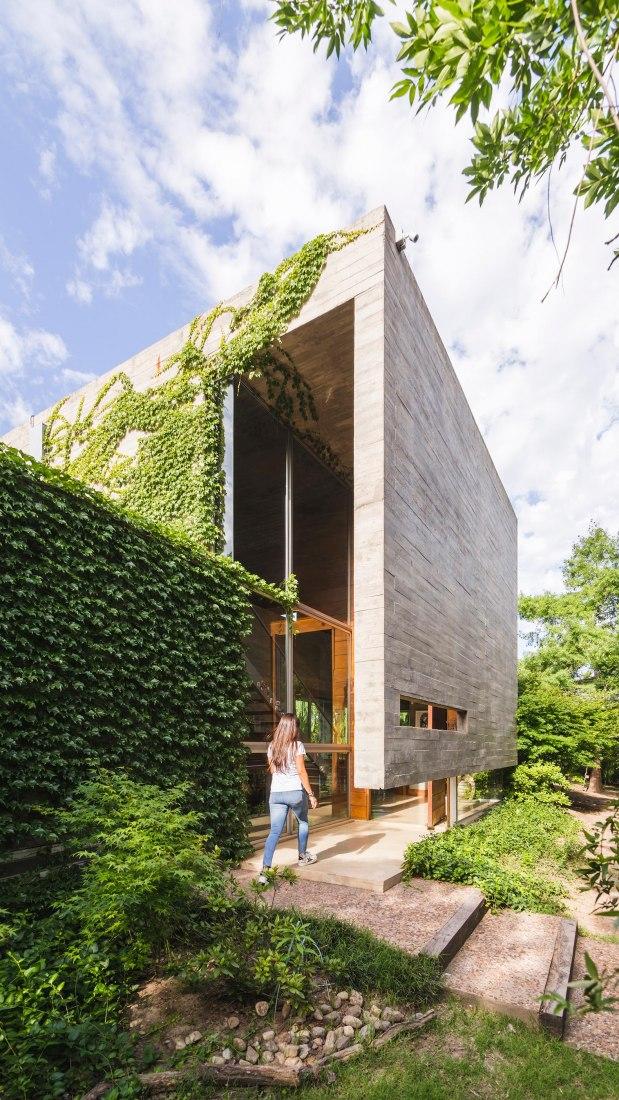 KM House by Pablo Gagliardo. Photograph by Ramiro sosa