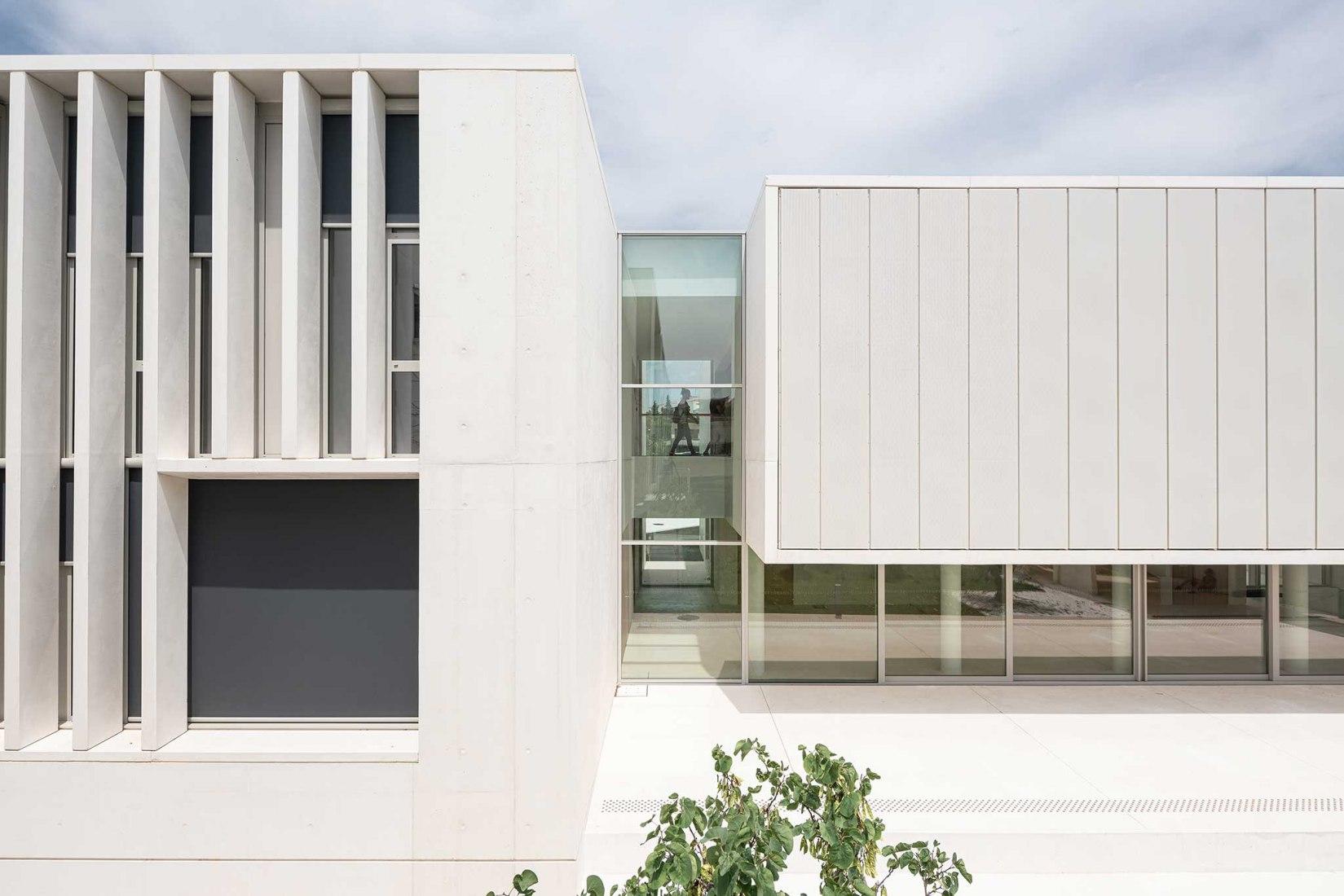 Maison Méditerranéenne des Sciences de l'Homme por Panorama Architecture. Fotografía por Wearecontents