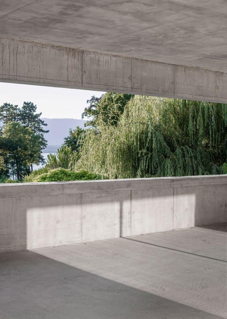 Ampliación de Casa Panorama Suburbia por Leopold Banchini y Daniel Zamarbide. Fotografía © Dylan Perrenoud