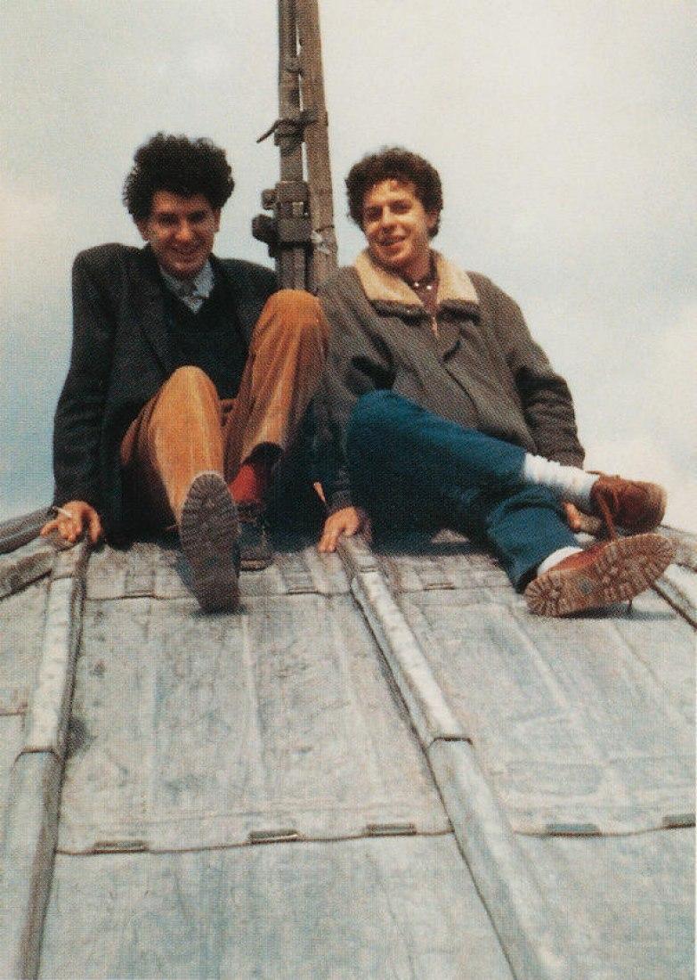 Ábalos y Herreros en la cubierta de la Catedral de Notre Dame. 1986, centenario de Le Corbusier. Imagen cortesía de Itinerant Office.