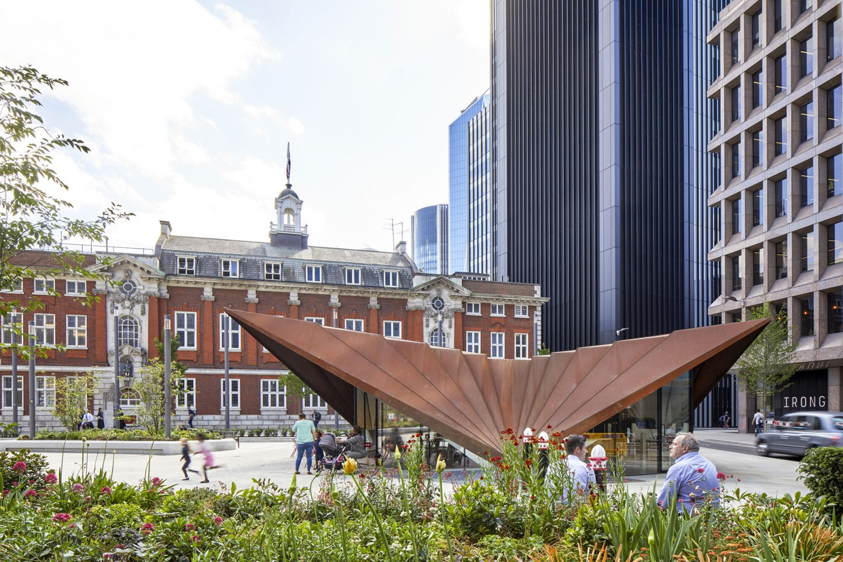 Aldgate Pavilion is the centrepiece structure for the new Aldgate Square. Portsoken Pavilion by Make Architects. Courtesy by Make Architects.