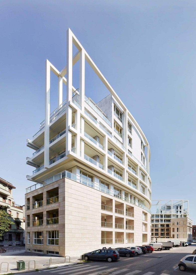 Residenze Carlo Erba by Eisenman Architects Degli Esposti Architetti AZstudio. Photograph by Maurizio Montagna