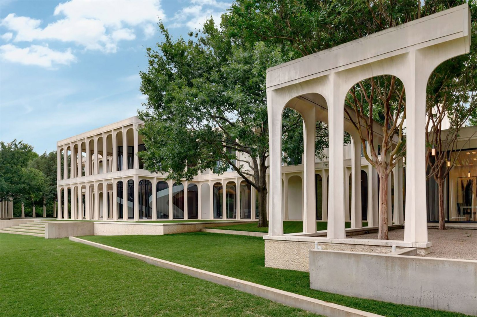 Philip Johnson's Beck House in Dallas. Photograph by Charles Davis, Smith-Photographer