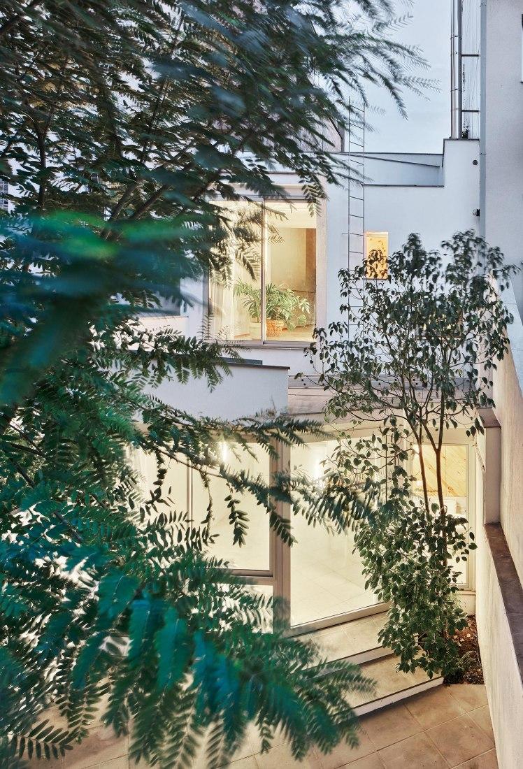 Casa Descuadra by P-M-A-A. Photograph by José Hevia