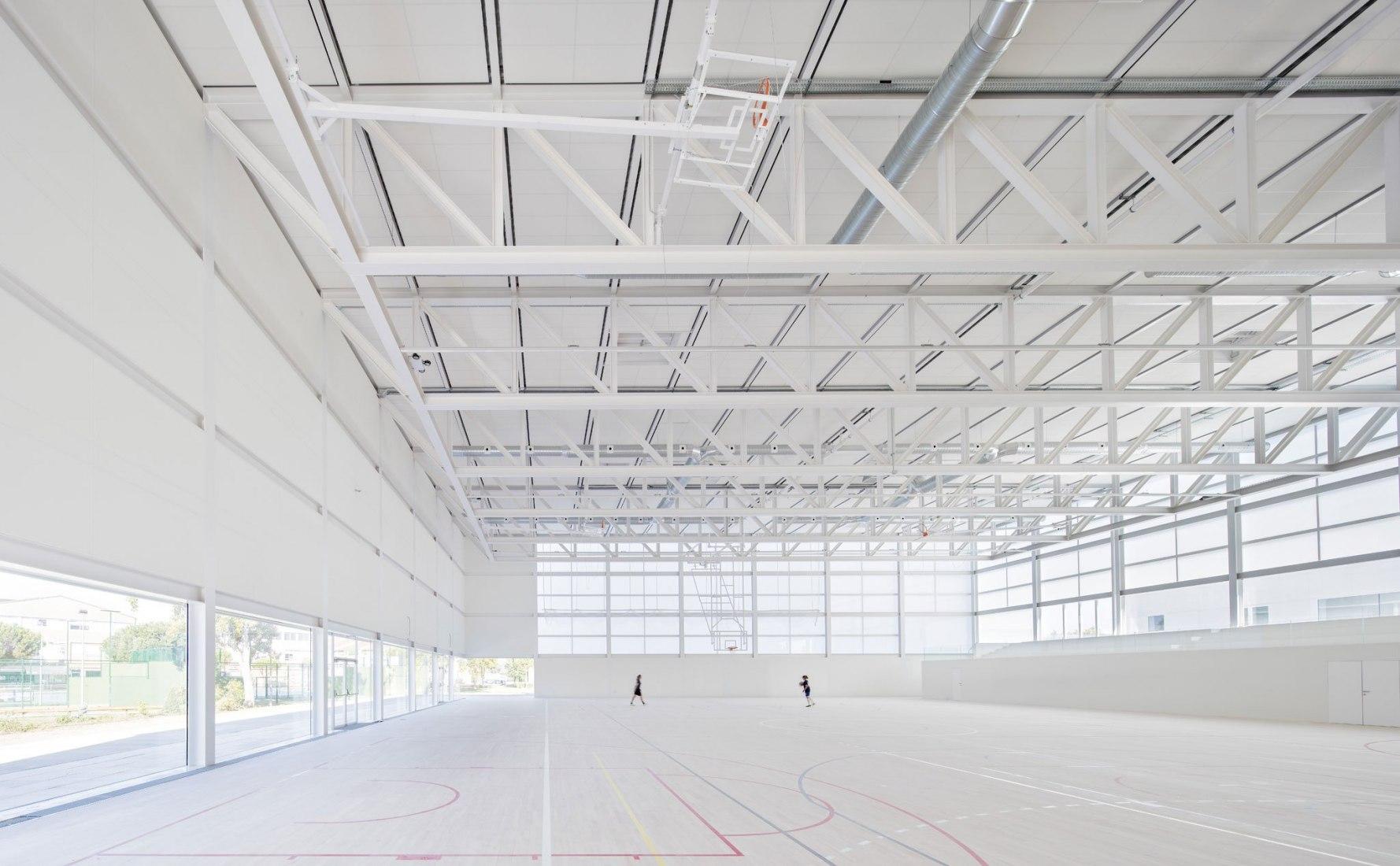 Sports center. Universidad Francisco de Vitoria Sports Center by Alberto Campo Baeza. Photograph © Javier Callejas