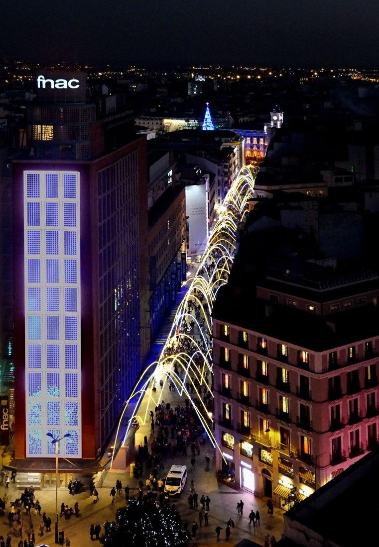 Vista aérea. Iluminación calle Preciados por Sergio Sebastián. Fotografía © Irene Ruiz