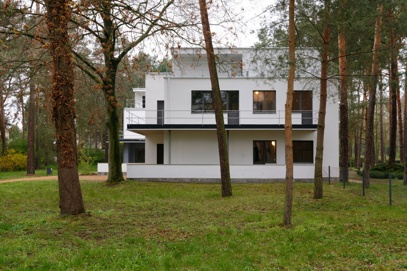 Renovated master house Kandinsky-Klee in Dessau, 2019. Photograph by Thomas Wolf © Wüstenrot Stiftung