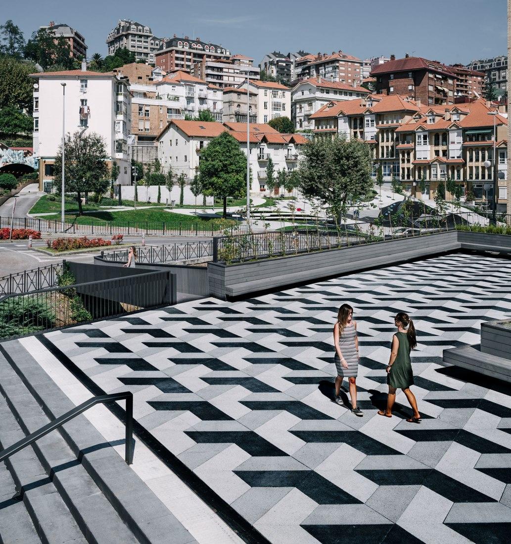 Plaza y mercado Puertochico por GARCIAGERMAN Arquitectos. Fotografía © Imagen Subliminal