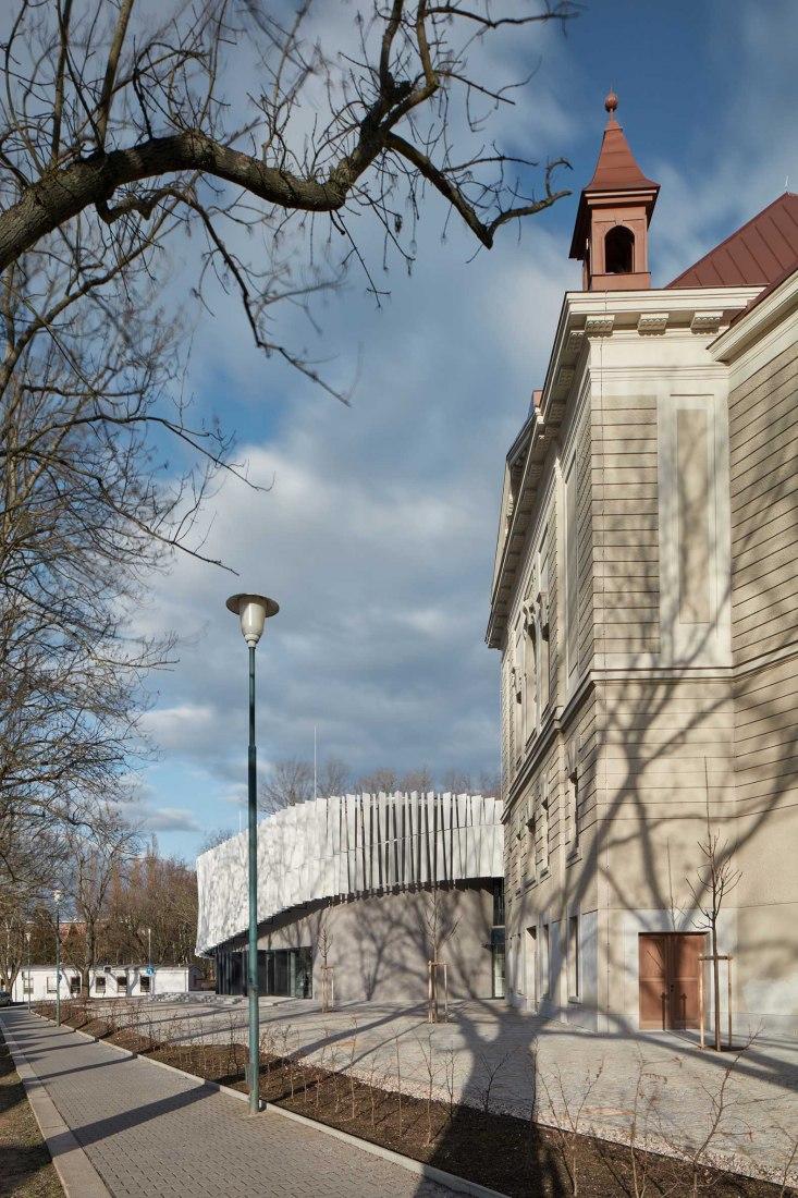 New lecture center VŠPJ by Qarta architektura. Photograph by BoysPlayNice