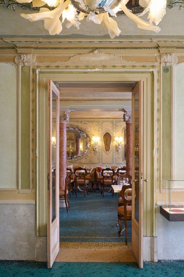 Renovación de QUADRI en Venecia por Philippe Starck. Fotografía por Marie-Pierre Morel