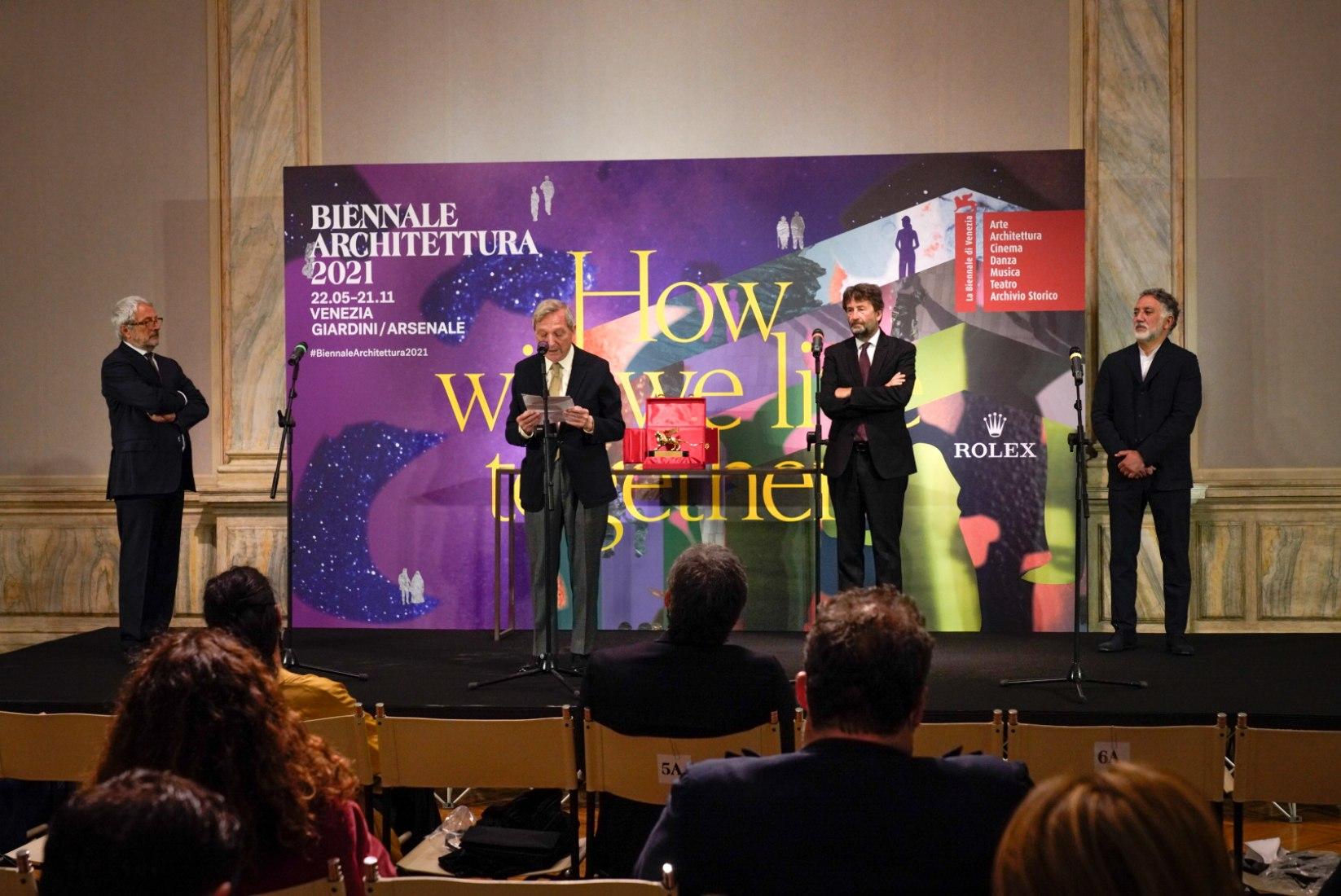 Rafael Moneo receives the Golden Lion for Lifetime Achievement of the Biennale Architettura 2021. Photograph by Andrea Avezzu