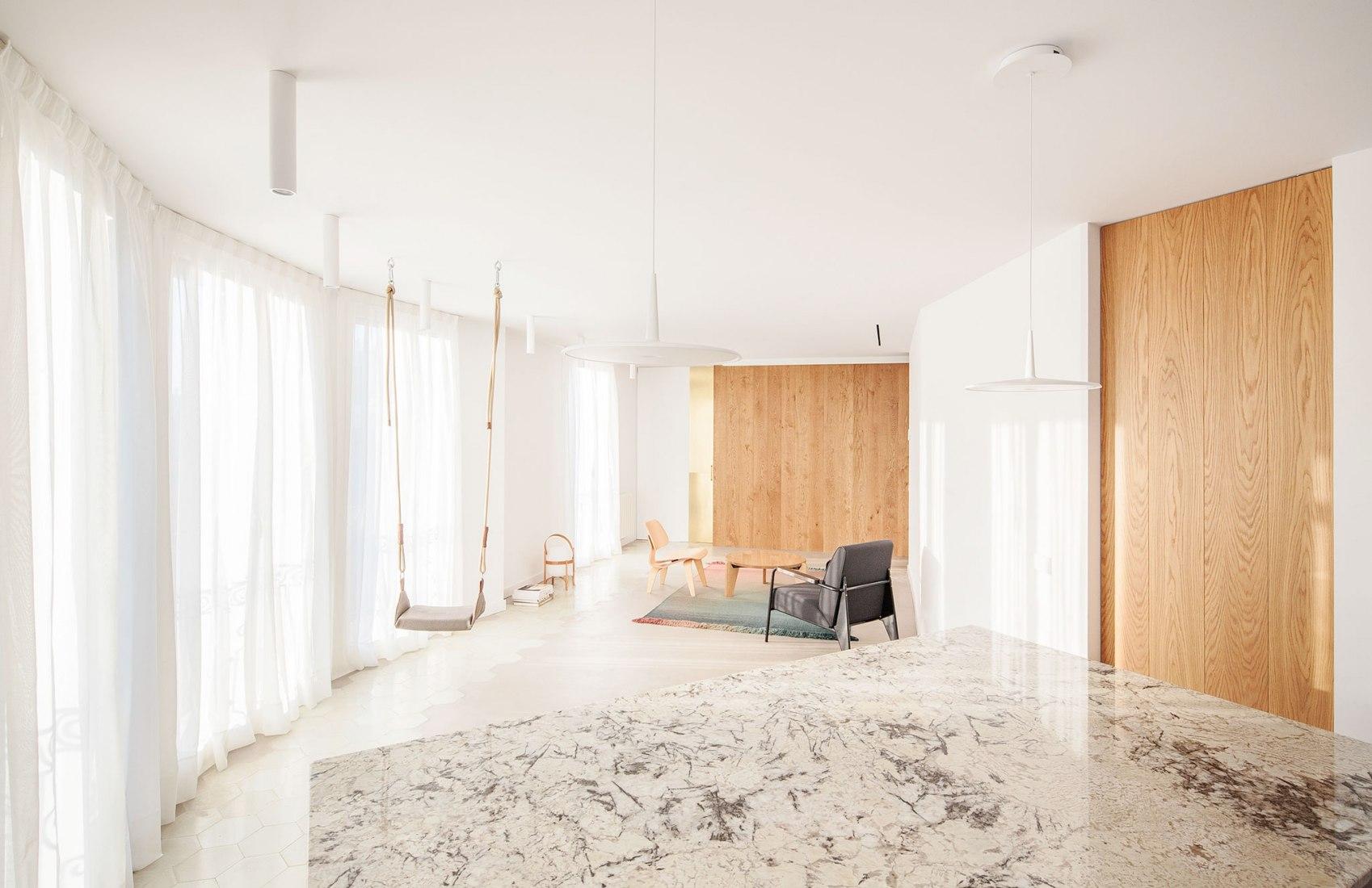 Atic Aribau por Raúl Sánchez Architects. Fotografía por David Zarzoso