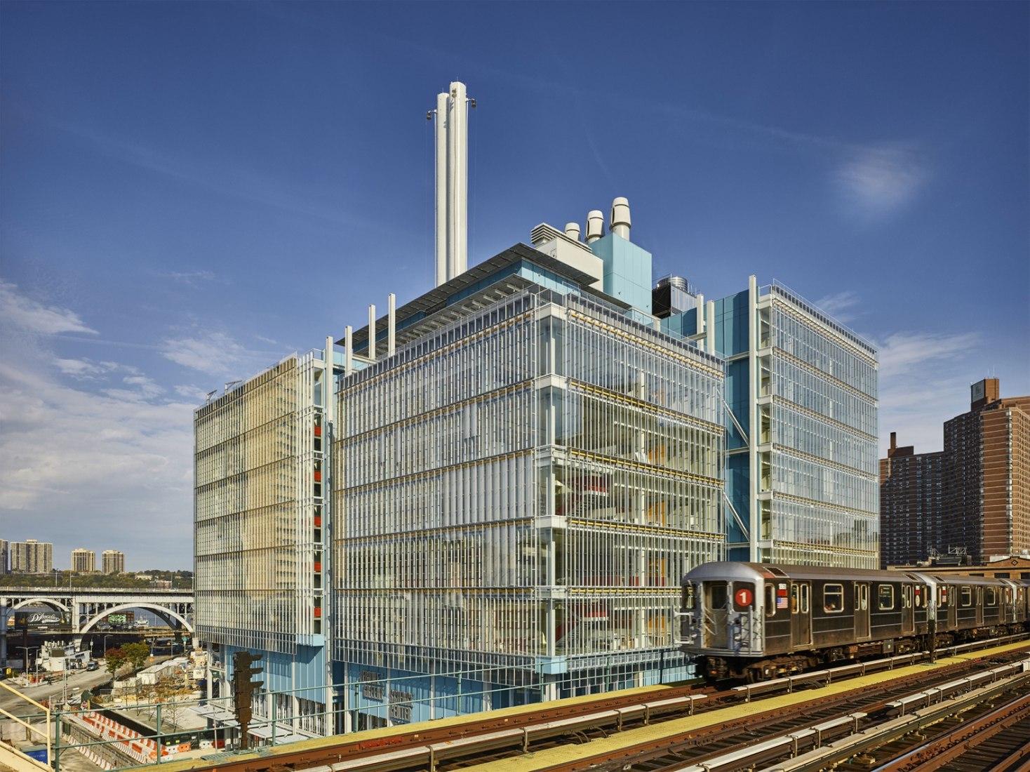 Centro de Ciencias Jerome L. Greene integrado en el Nuevo Masterplan de la Universidad de Columbia por Renzo Piano. Imagen exterior. Fotografía © Columbia University/ Frank Oudeman