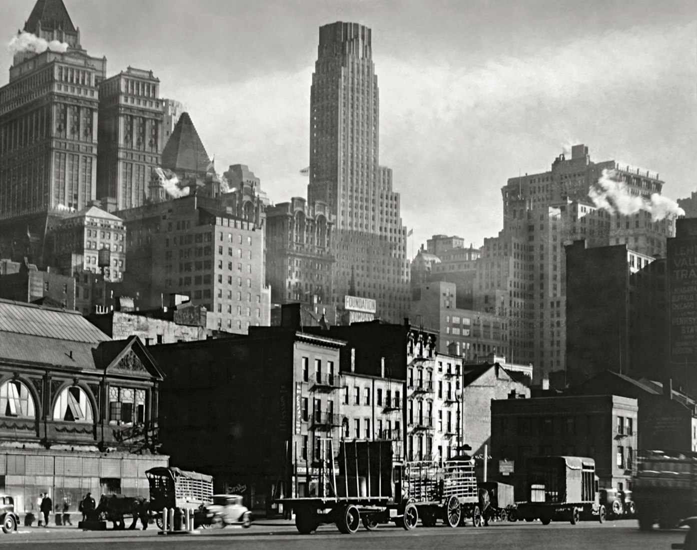 Berenice Abbott. West Street, 1932. 19,1 × 24,3 cm. International Center of Photography, Purchase, with funds provided by the National Endowment for the Arts and the Lois and Bruce Zenkel Purchase Fund, 1983 (388.1983). © Getty Images/Berenice Abbott.