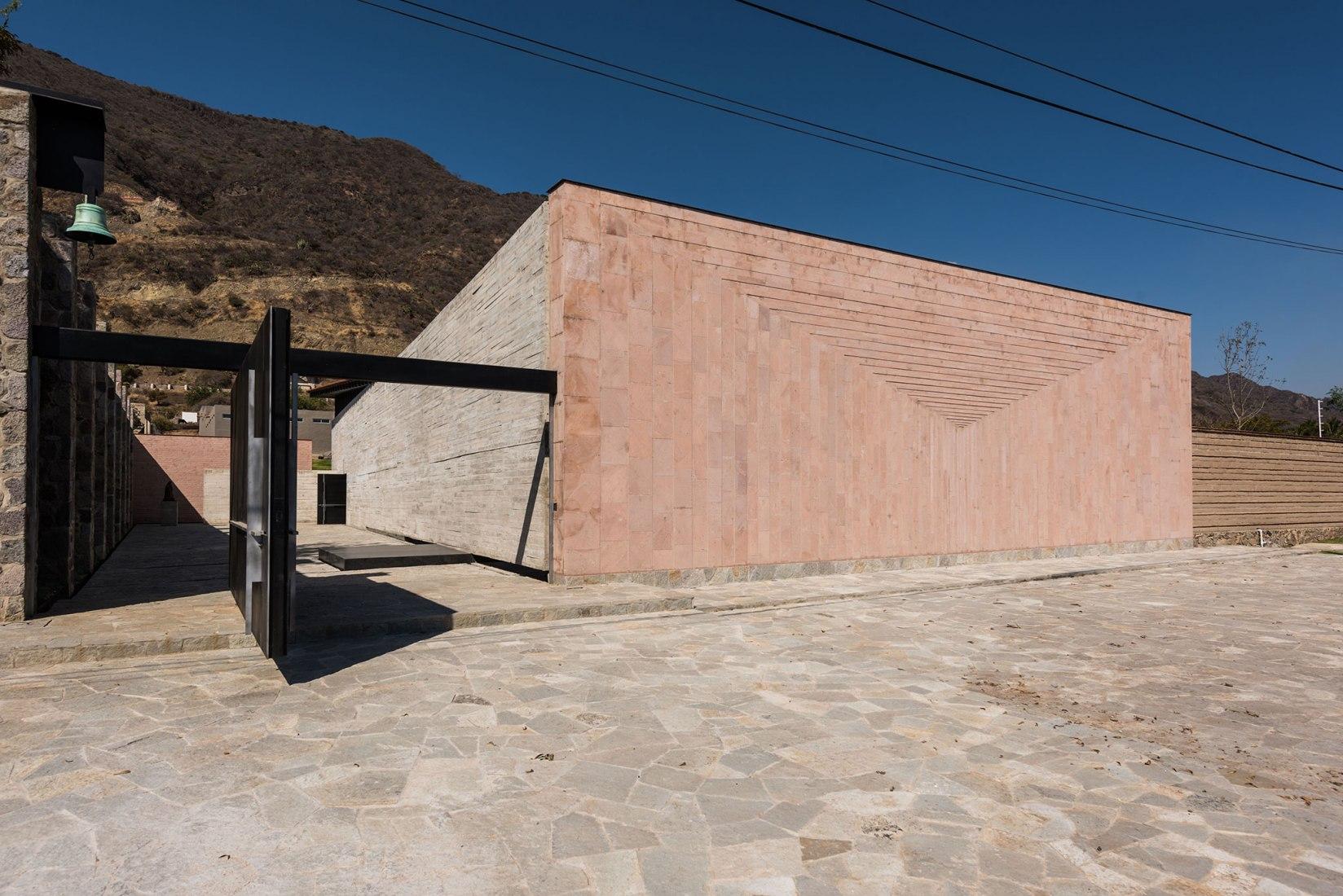 RLJ Chapel by Ricardo Yslas Gámez Arquitectos. Photograph by Jaime Navarro Soto
