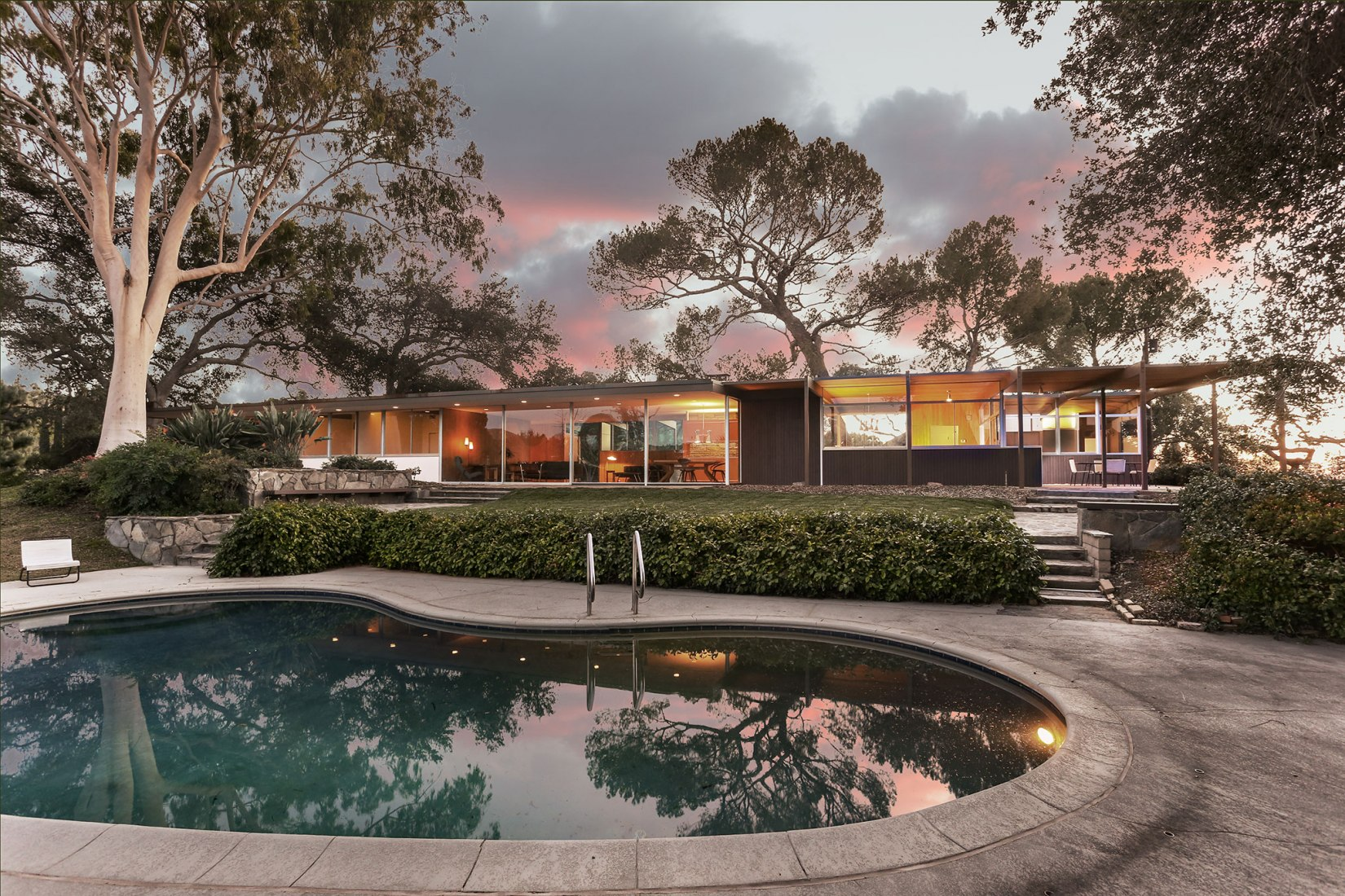 JM Roberts Residence by Richard Neutra. Image courtesy of Cameron Carothers / Crosby Doe Associates
