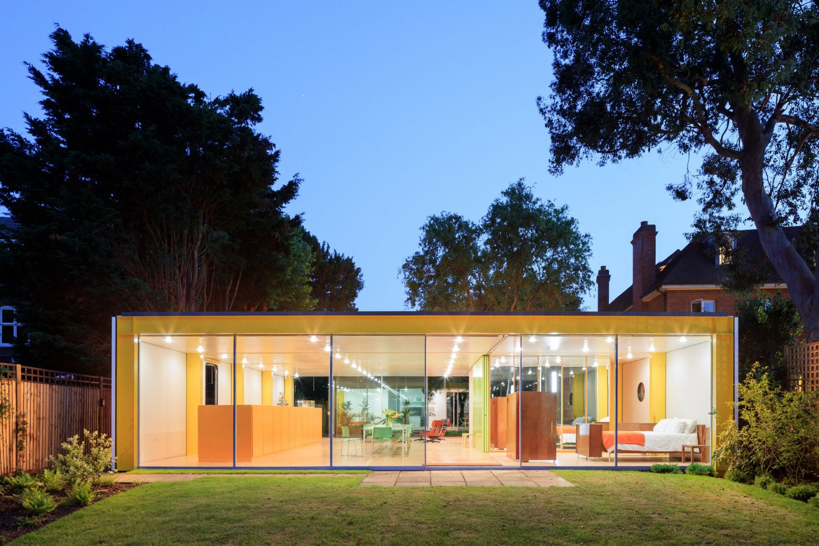 Outside vision. The Rogers house. Photograph © Iwan Baan